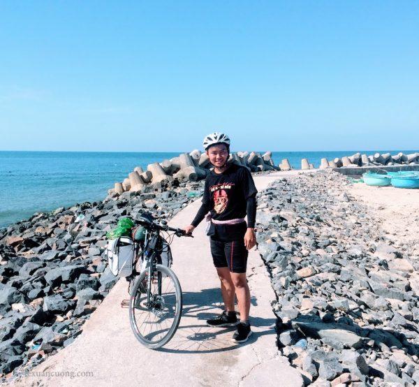 Biển Phan Thiết, bờ kè sát biển hôm nay.