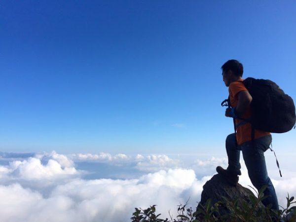 Bien may tren day Ta Xua Yen Bai 600x450 1 - Đại dương mây trên dãy Tà Xùa, địa điểm hấp dẫn dành riêng cho phượt thủ
