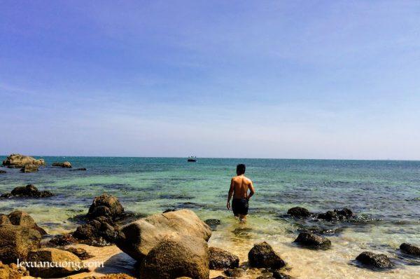 Tắm biển ở Cà Ná.