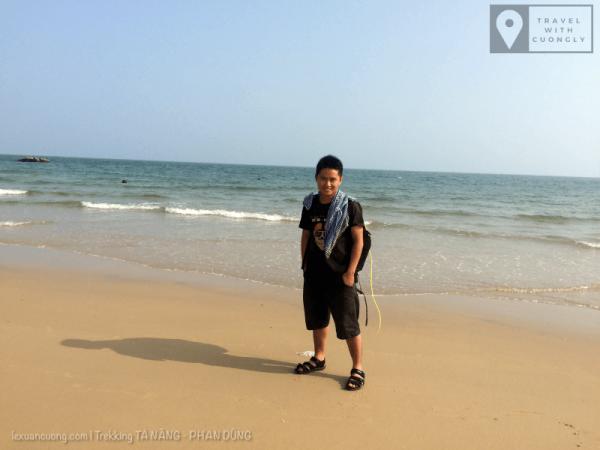 Dạo chơi ở Bãi Đá 7 màu, biển Cổ Thạch gần thị trấn Liên Hương