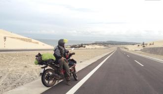 Cung đường ven biển Bàu Trắng