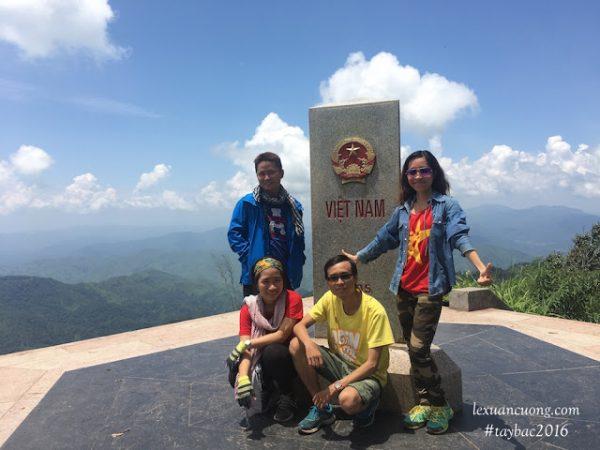 Điểm cực Tây A Pa Chải tại Điện Biên, ngã 3 biên giới.