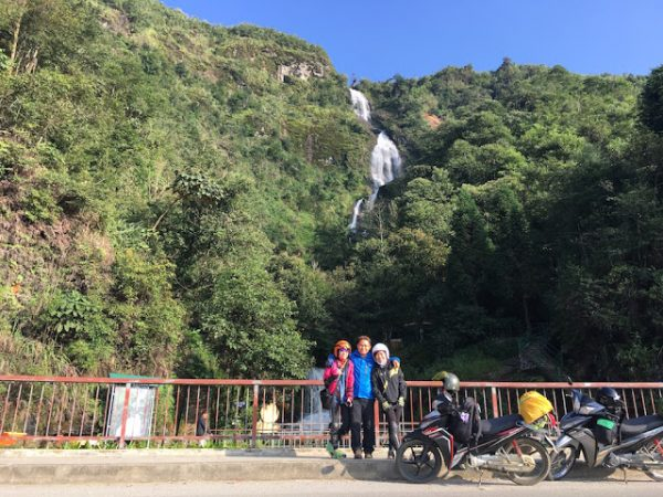 Thác Bạc - một trong những điểm du lịch Sapa đẹp