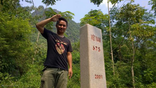 Cột mốc với biên giới Trung Quốc.