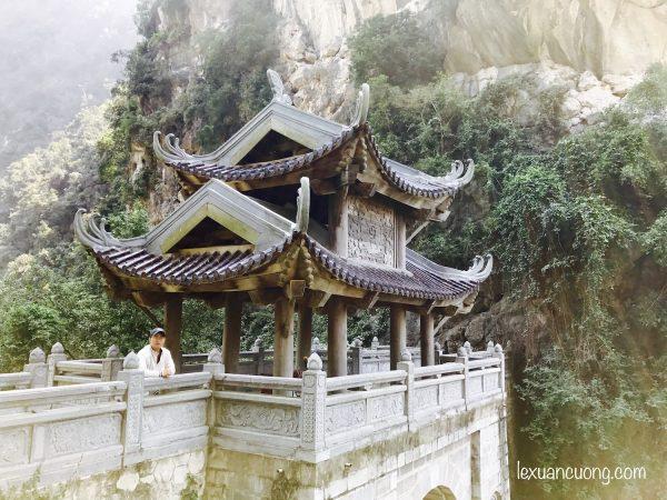 Động Am Tiêm - một điểm đến hấp dẫn phù hợp với du lịch bụi Ninh Bình.