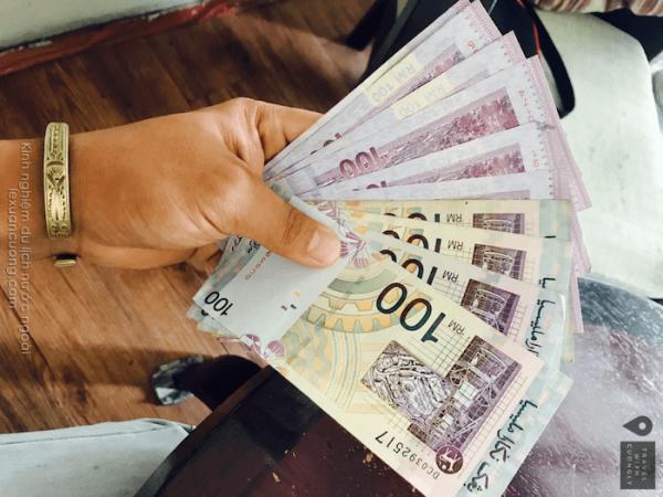Chuẩn bị tiền khi đi du lịch nước ngoài
