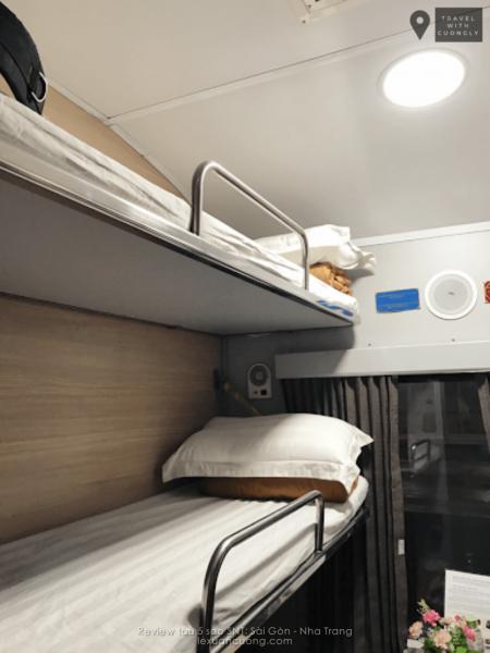 Mỗi buồng trên tàu SNT sẽ từ 4-6 giường.