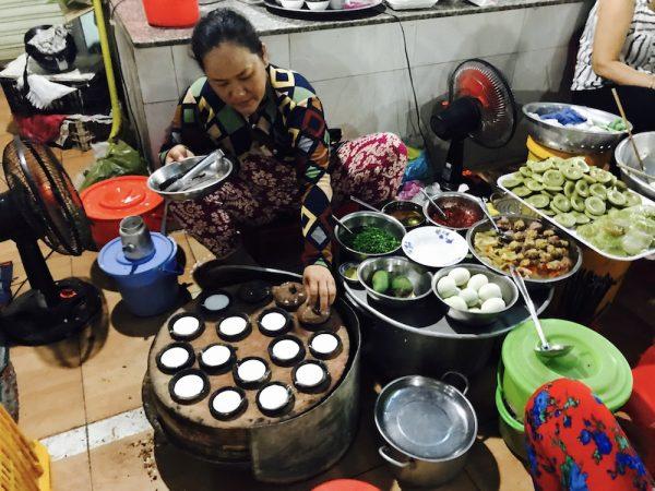 Bánh căn, món ăn đặc trưng và ngon miệng của vùng Mũi Né - Phan Thiết