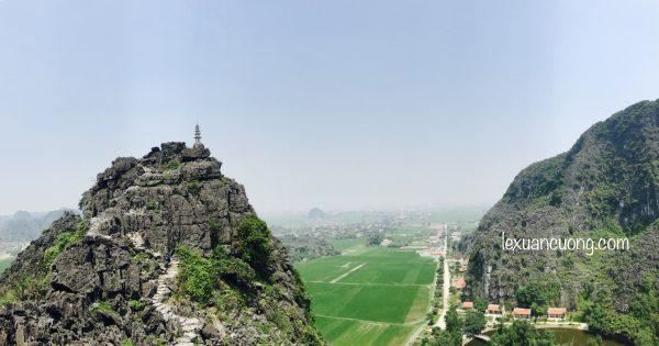 Du lich Ninh Binh Hang Mua 2 600x315 1 - Đi Ninh Bình nhớ phải leo núi Ngoạ Long - Hang Múa ngắm Tam Cốc từ trên cao