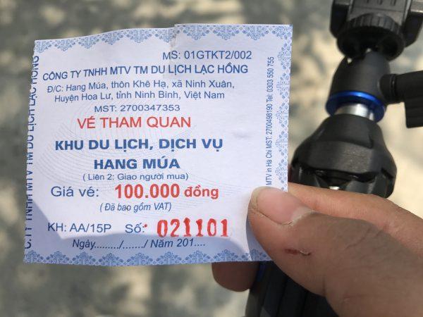 Vé tham quan Khu du lịch Hang Múa, Ninh Bình khá đắt đỏ.