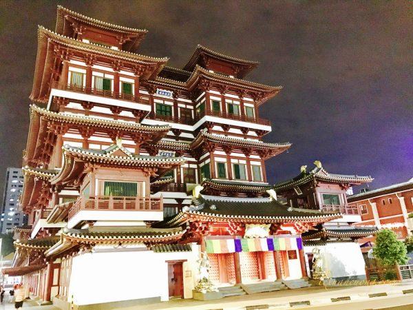 Ngôi chùa khá nổi tiếng ở China town, Singapore.