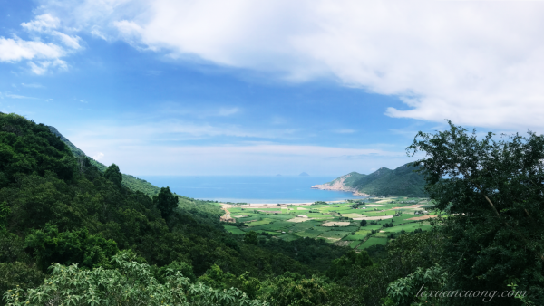 Ninh Vân nhìn từ trên cao