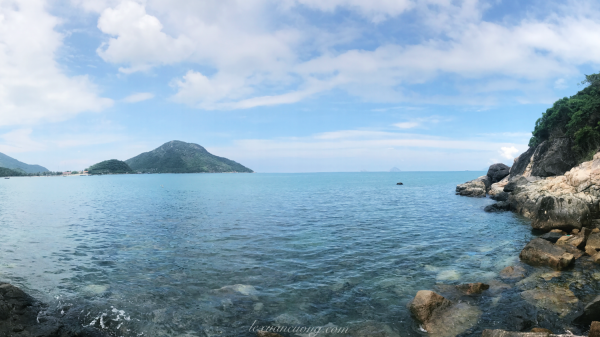 Biển Ninh Vân xanh trong