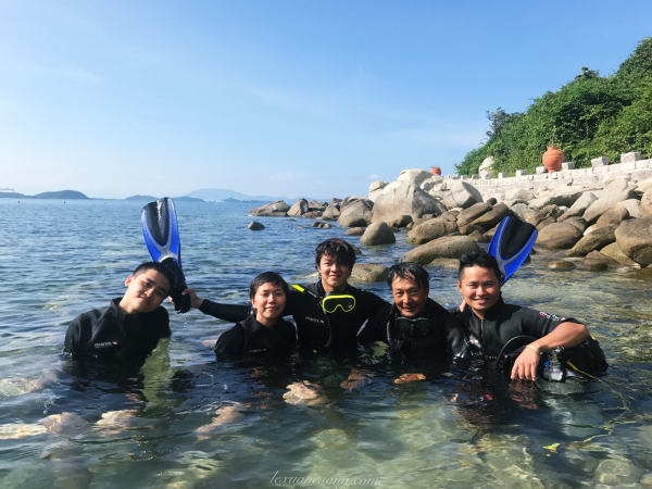 Team Go Explore After diving coral at the rapids of jumping