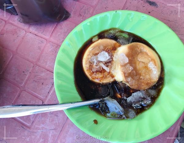 Bánh Flan tại chợ Nhơn Lý