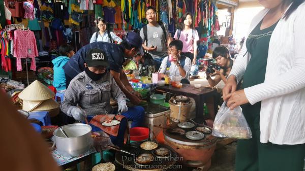 Bánh xèo chợ Nhơn Lý