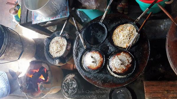 Bánh xèo cực ngon cực rẻ tại chợ Nhơn Lý