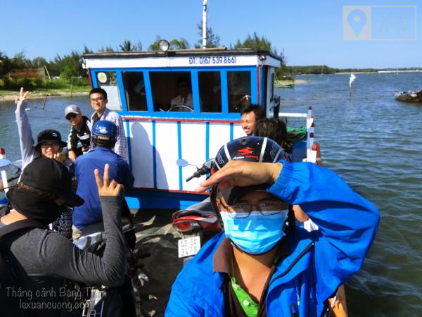 Đi đò Tam Hải, nhớ miền Tây sông nước.