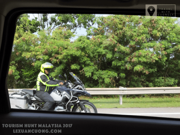 Xe Mô tô hộ tống đoàn di chuyển trong chương trình ASEAN MEDIA BLOGGERS TOURISM HUNT 2017 tại Malaysia