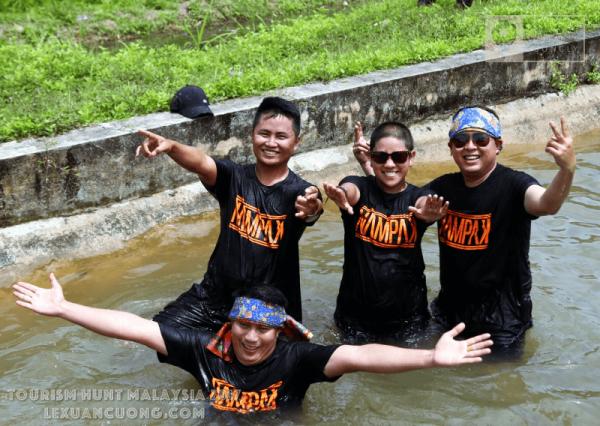 Tắm kênh ở homestya Labu Kubong, Ipoh, Perak, Malaysia