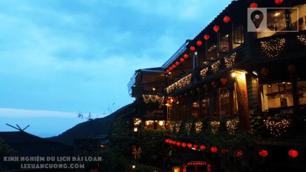 """Góc chụp hình """"huyền thoại"""" ở Phố cổ Cửu Phần, Đài Bắc, Đài Loan"""