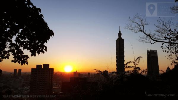 Mặt trời lặn, hoàng hôn siêu đẹp từ Núi Voi, Đài Bắc.