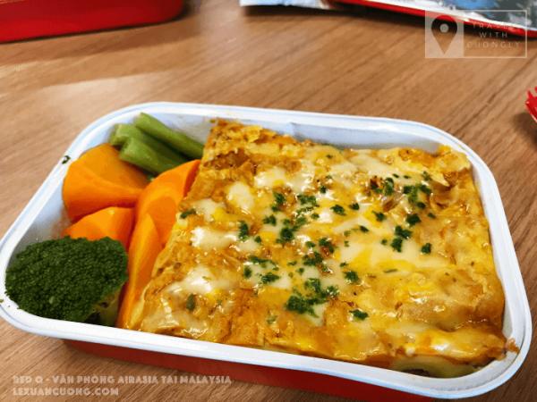 Món ăn mới được đưa vào menu của AirAsia: Chicken Lasagne