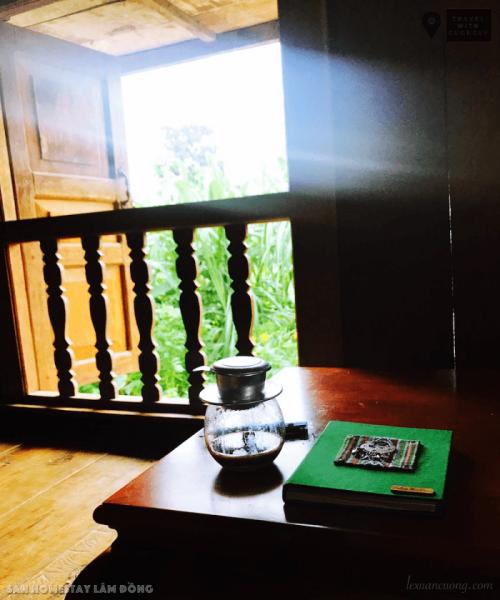 Góc bếp nhỏ ở Sàn, nơi có thể uống cà phê và đón những ánh nắng buổi sáng