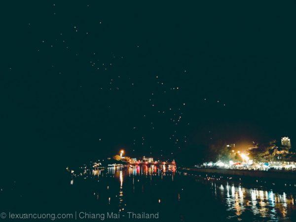 Chiang mai lung linh trong dịp lễ hội Loi Krathong.