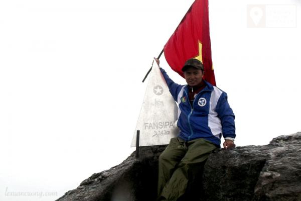 Chinh phục đỉnh Fansipan năm 2013 trong cái lạnh 10 độ C.