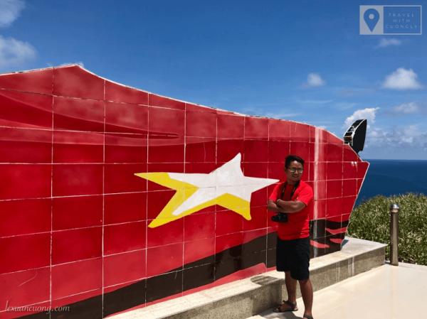 Lá cờ được xây dựng để khẳng định chủ quyền trên đảo Hòn Hải.