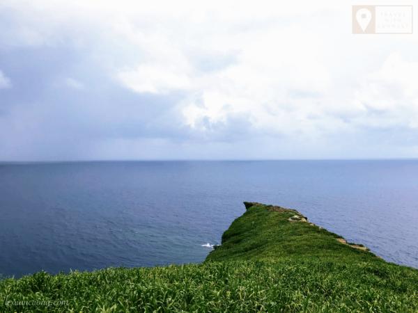 Mỏm đá siêu đẹp và nguy hiểm ở Hòn Hải.