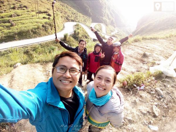 Selfie bằng Mobiistar Zumbo S2 Dual tại dốc Thẩm Mã.