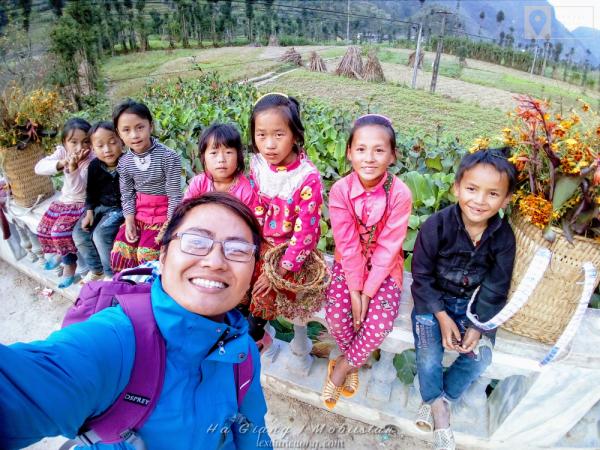 Những đứa bé ở Hà GIang. Selfie bằng Camera của Mobiistar Zumbo S2 Dual.