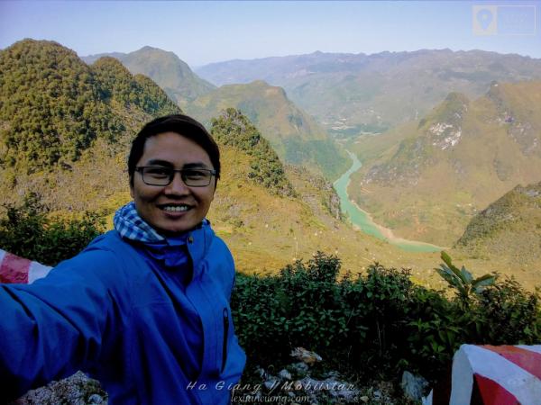 Selfie bằng camera góc rộng của Mobiistar Zumbo S2 Dual.