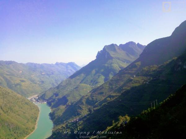 Đèo Mã Pí Lèng & sông Nho Quế.