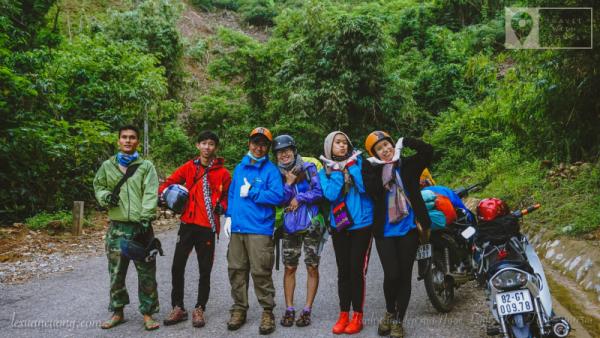 Team chinh phục đỉnh núi Ngọc Linh chuẩn bị thử sức với những con đèo ở Kon Tum.