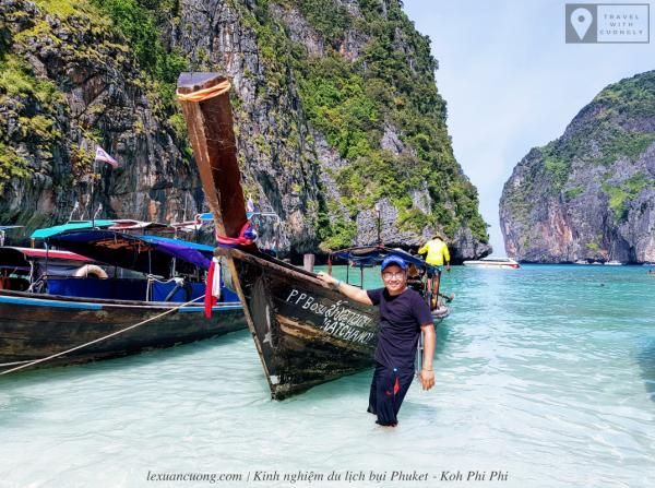 Những chiếc thuyền đặc trưng ở Phuket.