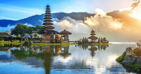 Pura Ulun Danu Bratan tại Bali