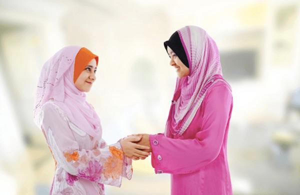 Nếu bắt tay với phụ nữ Hồi giáo, hãy dùng cả 2 tay