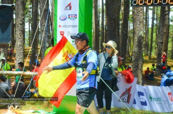 Về đích lúc khoảng 12h06p, tổng thời gian là 3h36p cho 21km trail đầu tiên trong đời.