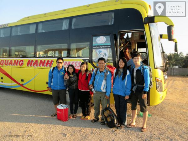 Xe Quang Hạnh chạy tuyến Sài Gòn - Vạn Ninh.