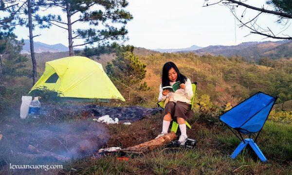 Ngủ lều giữa thiên nhiên là trải nghiệm thú vị cho bạn sau 1 thời làm việc ngột ngạt ở thành phố.