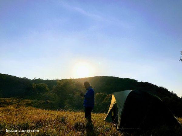 Sớm thức dậy ở 1 nơi xa, hình ảnh trong chuyến trekking Núi Chúa, Ninh Thuận.