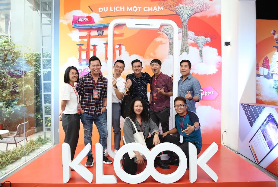 1 số anh chị em Travel Blogger Việt nam gặp mặt trong sự kiện ra mắt của Klook.