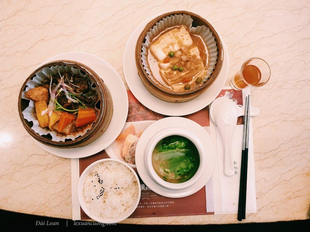 Bữa trưa ngon miệng với những món ăn làm từ Trà.