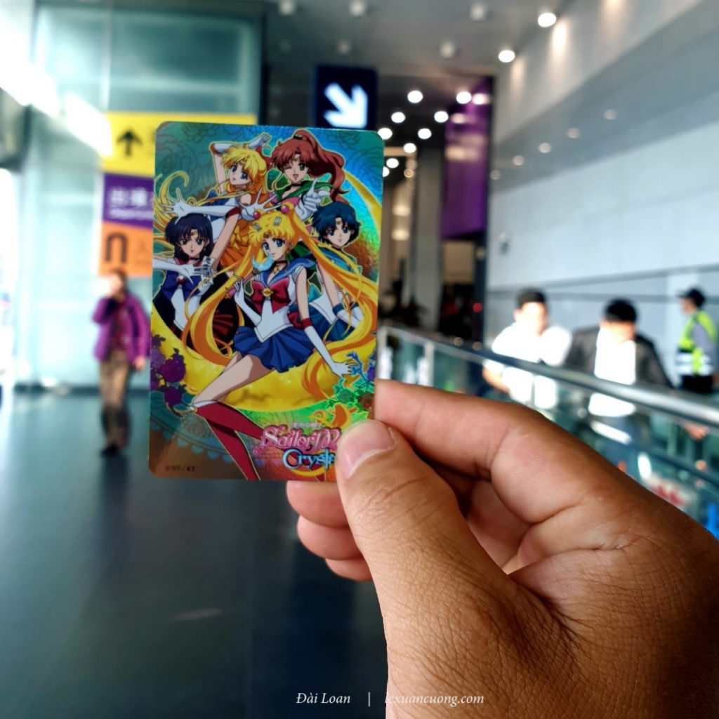 Thẻ Easy Card màu mè của Đài Loan, dùng để đi tàu điện, xe bus...