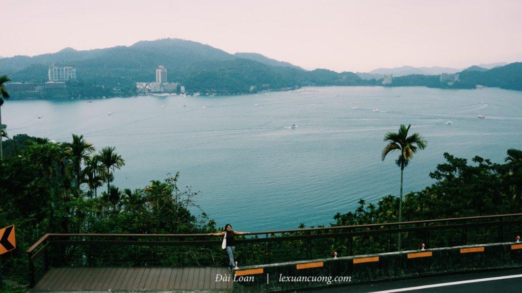 Hồ Nhật Nguyệt từ trên cao.