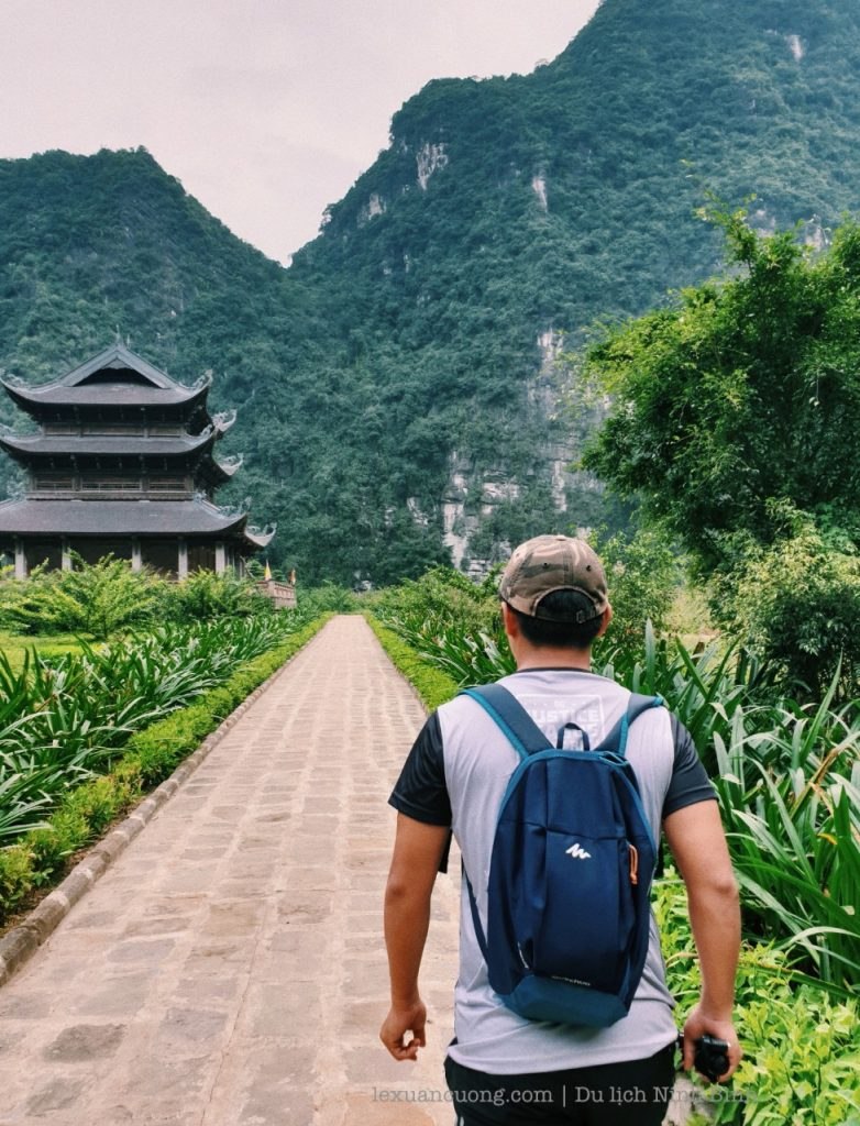 Ninh Binh Tourism explores the three cups of Bich dong.
