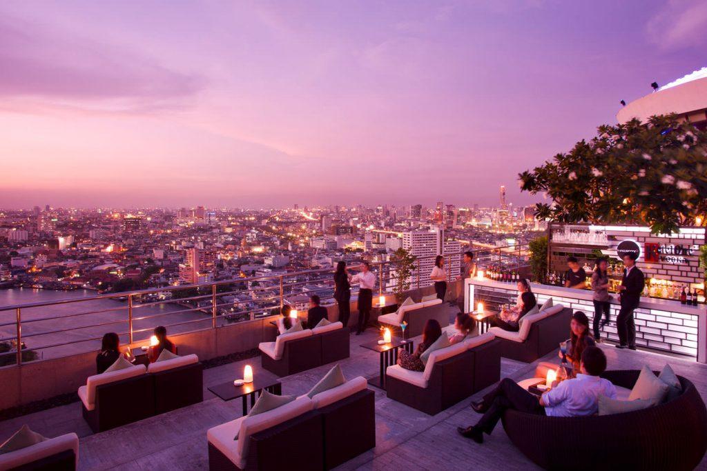 Các rooftop bar tại Bangkok vô cùng đa dạng về phong cách và cách bài trí để bạn có thể chọn lựa không gian phù hợp với nhu cầu của mình @bangkok